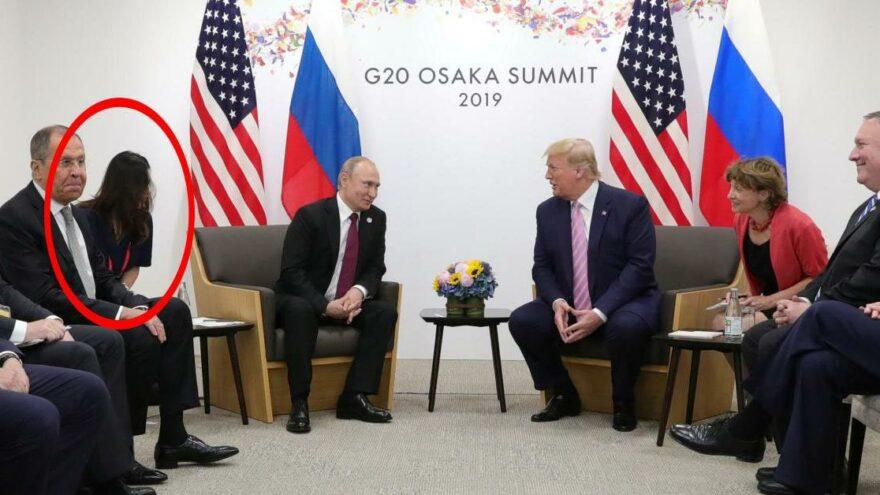 Eski Beyaz Sözcüsü Grisham'ın kitabından yeni detaylar ortaya çıktı: Putin, Trump'ın dikkatini dağıtmak için kadın tercümanı kullandı