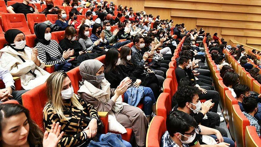 Ankara Büyükşehir Belediyesi'nden öğrencilere konser sürprizi