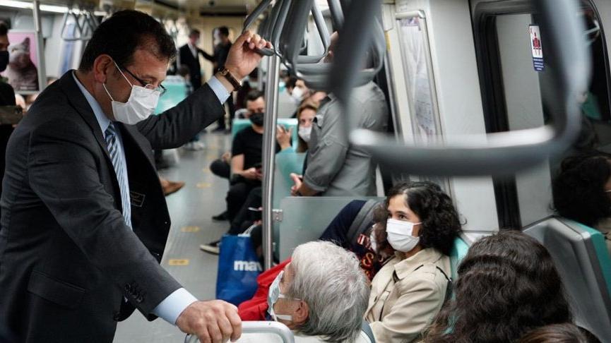 Ekrem İmamoğlu, Taksim'e metroyla gitti