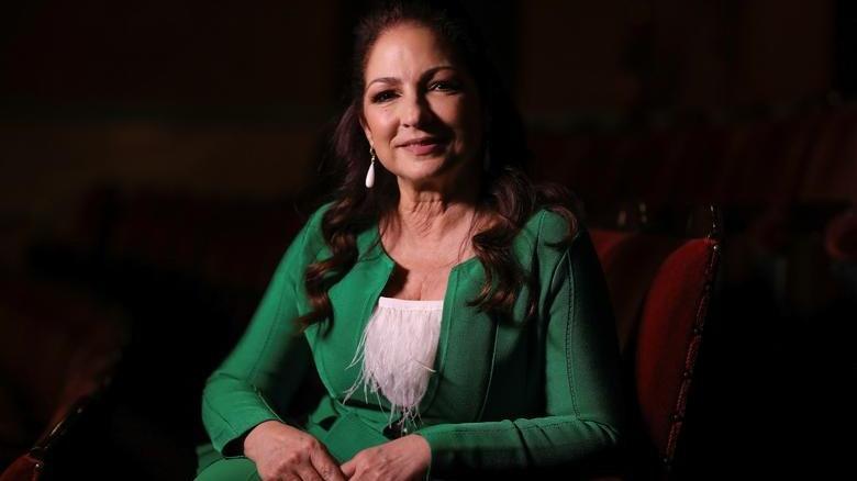 Ünlü şarkıcı Gloria Estefan dokuz yaşındayken uğradığı tacizi anlattı