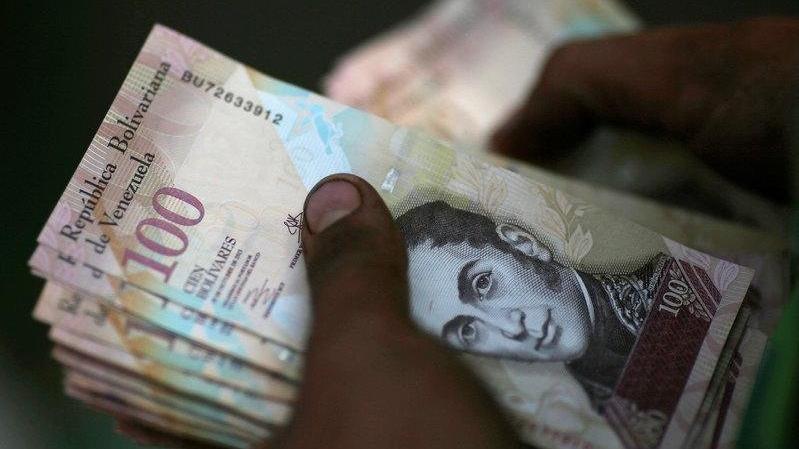 Venezuela paradan 6 sıfır atıyor
