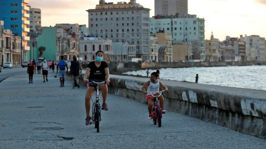 Küba, nüfusunun yüzde 90'ını aşılamayı hedefliyor
