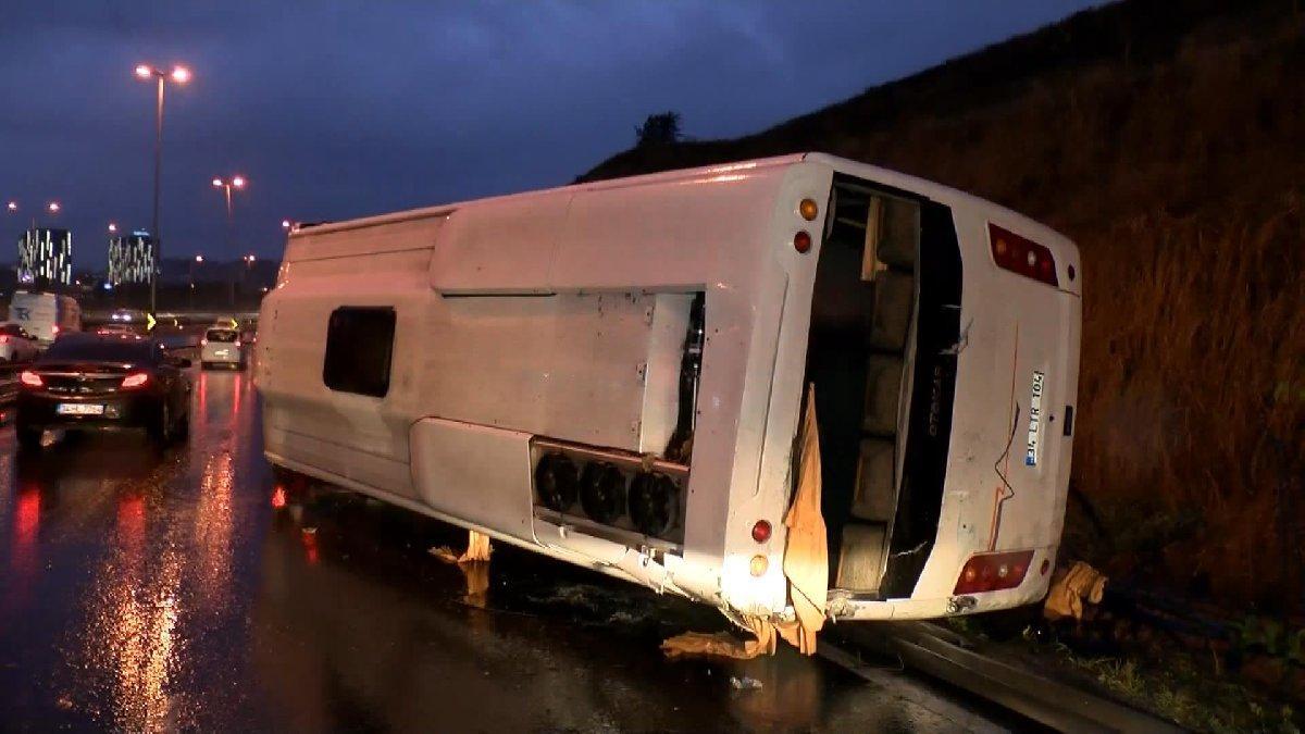 İstanbul'da D100 Karayolu'nda art arda trafik kazaları: 2 yaralı