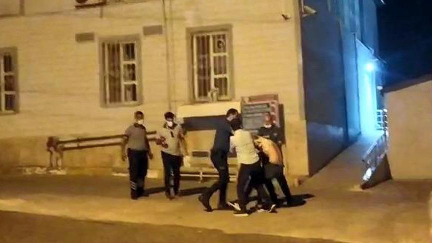 Sağlık kontrolünde polisin elinden kaçan hükümlüyü vatandaşlar yakaladı