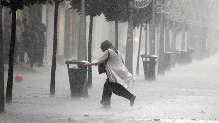 Meteoroloji'den İstanbul ve birçok ile yağış, kuvvetli rüzgar uyarısı