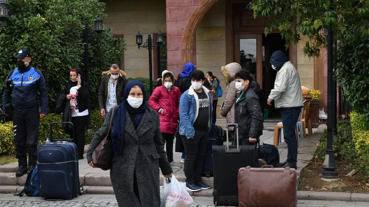 Esenyurt Belediyesi, Suriyelileri ülkelerine gönderiyor! İlk kafile yola çıktı