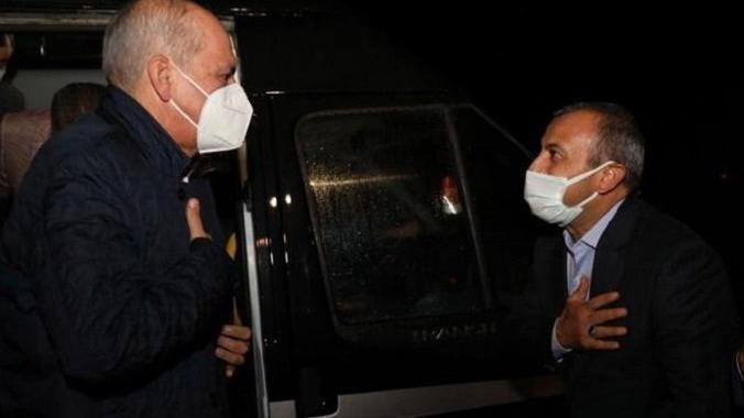 Vali'den AKP'li Kurtulmuş'a padişah karşılaması