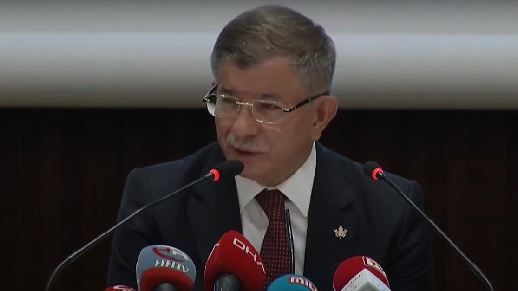 Davutoğlu: Erdoğan'la Bakanlar olmadan görüşmeyi Rusya istedi