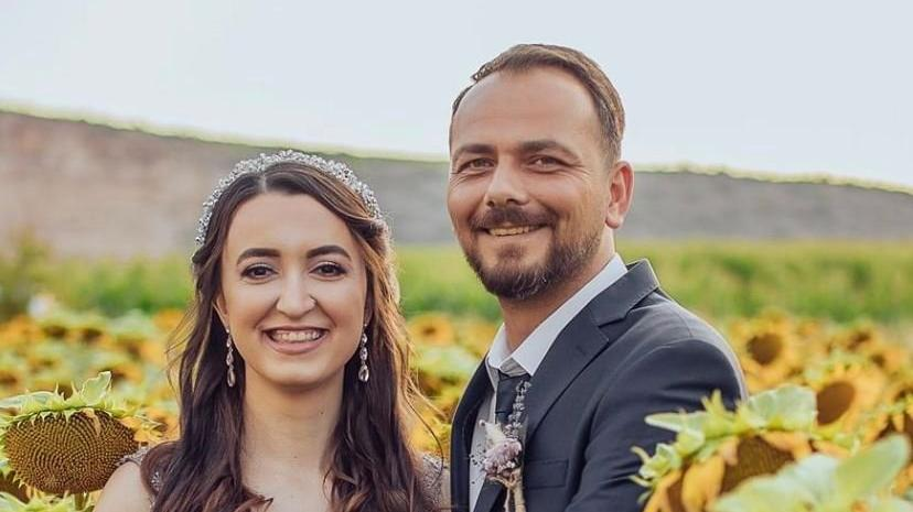 Nişanlı çift düğünde muhtarın tabancasından çıkan kurşunla yaralandı