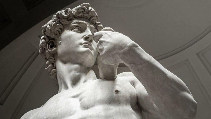 Dubai'de sergilenen Michelangelo'nun Davut heykeli sanat dünyasını karıştırdı