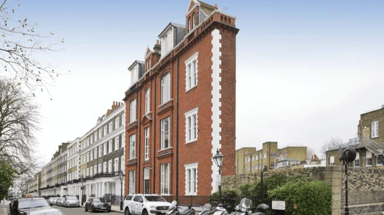 Londra'nın en ince evi 1 milyon dolara satışa çıktı
