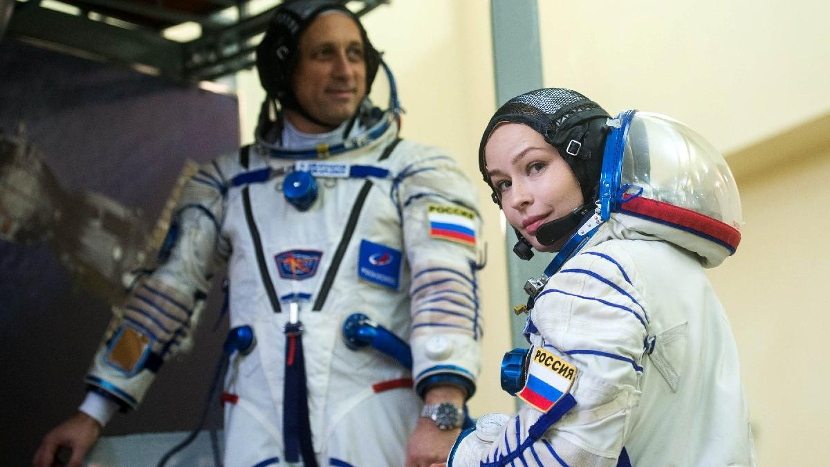 Ünlü aktrist ilk uzay filmi için Uluslararası Uzay İstasyonu'na çıkıyor