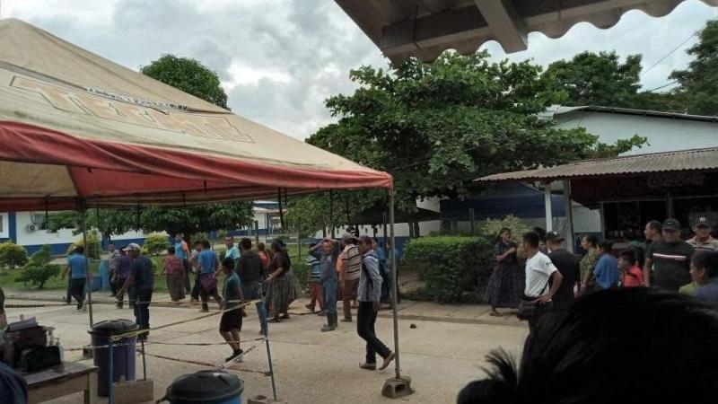 Guatemala'da aşı karşıtları sağlık ekiplerine saldırdı