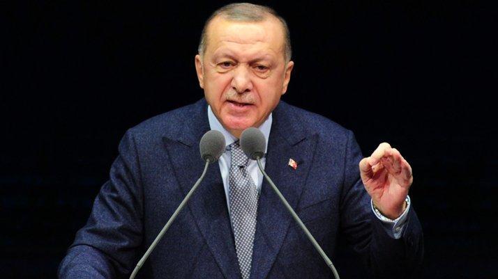 Erdoğan'dan öğrencilere: Parklarda bankların üzerinde yatanlar terörist