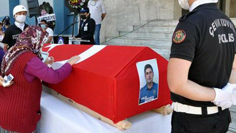 Kalp krizi geçirerek yaşamını yitiren polis memuru toprağa verildi