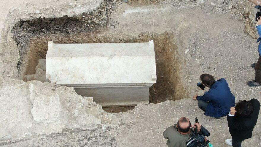 Kazı esnasında bulundu! İçinden çıkanlar heyecanlandırdı