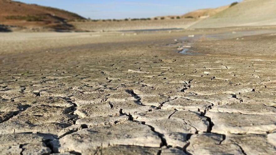 35 yıllık gölet kurudu