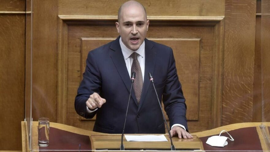 Miçotakis aşırı sağcı milletvekili Bogdanos'u partiden ihraç etti