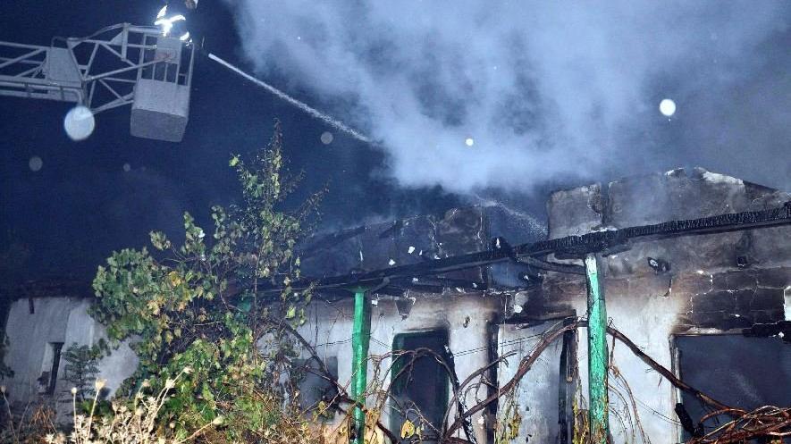 Mahalleli tedirgin: 20 günde 6 ev yandı