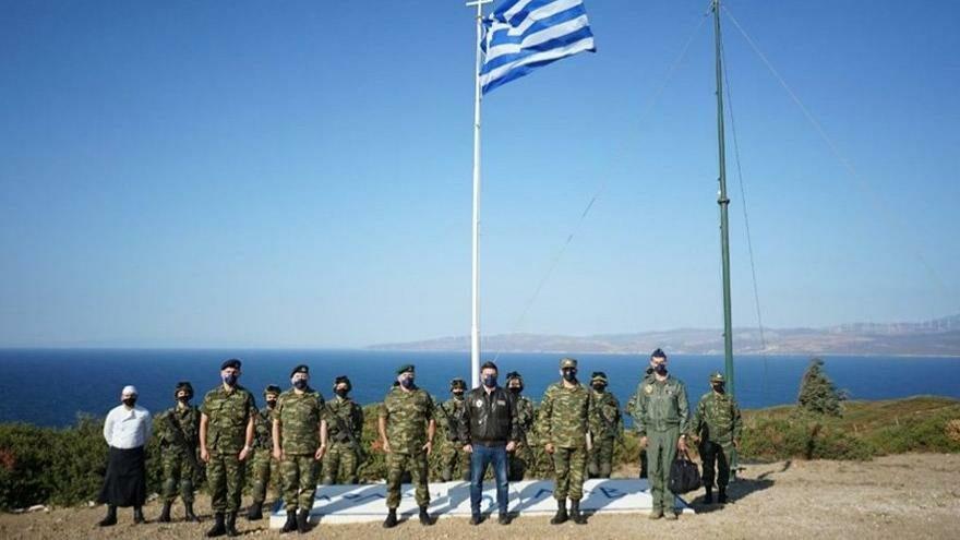 Yunanistan işgal ettiği adamızda tatbikat yaptı