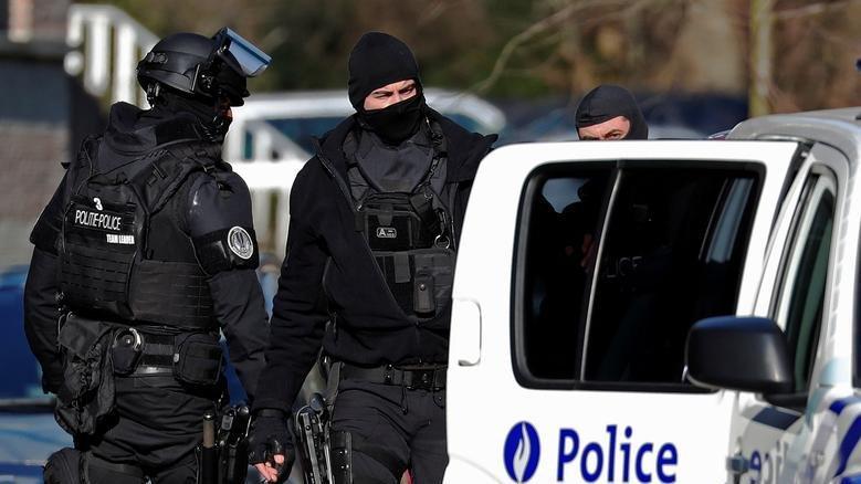 Belçika'da silahlı saldırgan alarmı