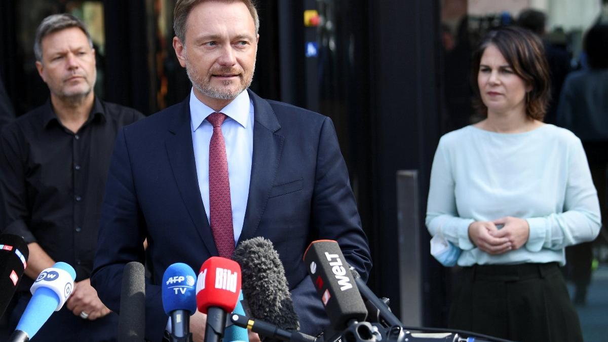 Almanya'da koalisyon için üçlü görüşmeler başladı