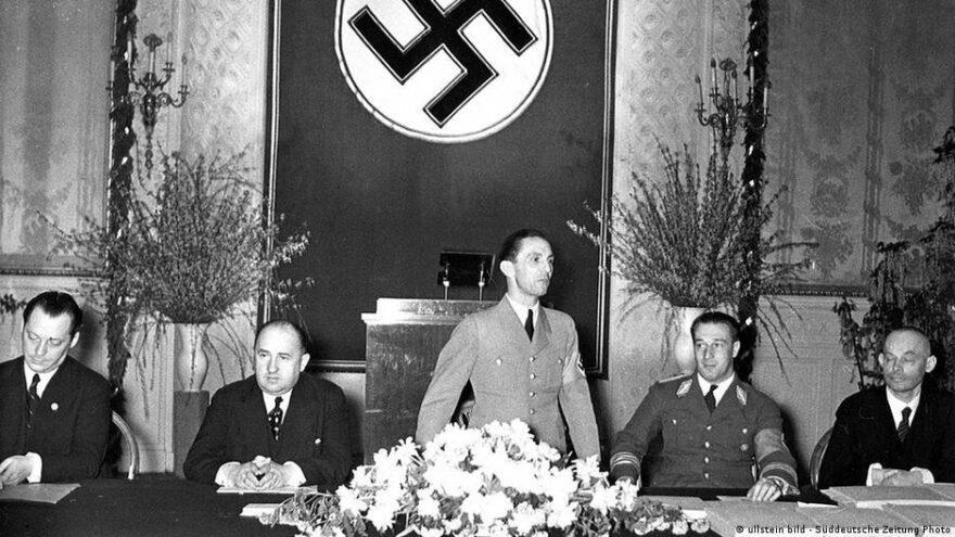 Almanya'da Nazi skandalı: Hitler'in sağ kolu Goebbels 'onursal vatandaş'