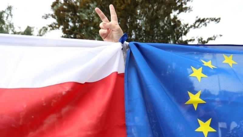 Polonya'dan AB kararı: Bazı maddeler anayasamıza aykırı