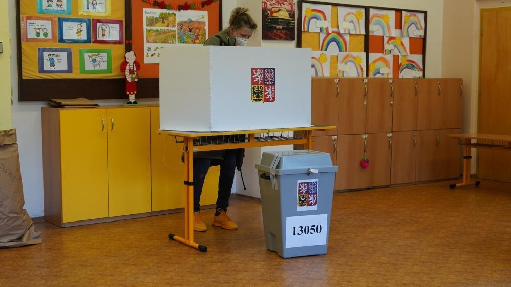 Çekya'da halk parlamento seçimleri için sandık başında