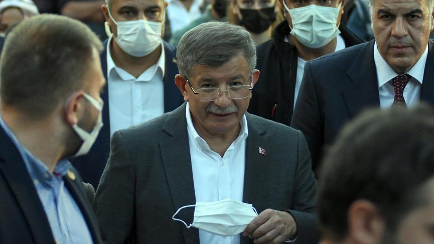 Ahmet Davutoğlu: Ben değil, onlar ihanet etti