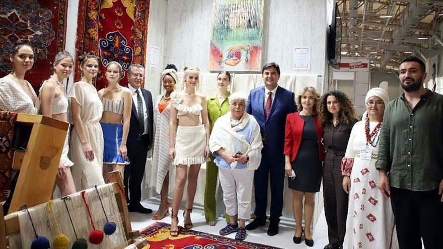 Üzümlü Dastarı İstanbul El Sanatları Fuarı'na damga vurdu