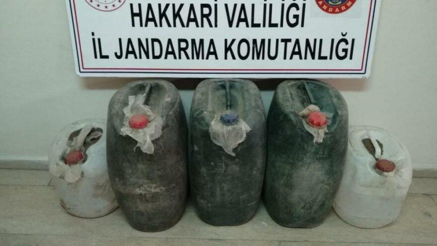 Yüksekova'da 200 litre asit anhidrit maddesi ele geçirildi