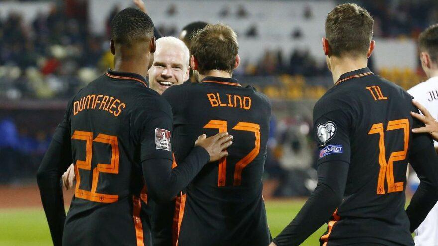 Hollanda, Letonya karşısında 3 puanı tek golle aldı