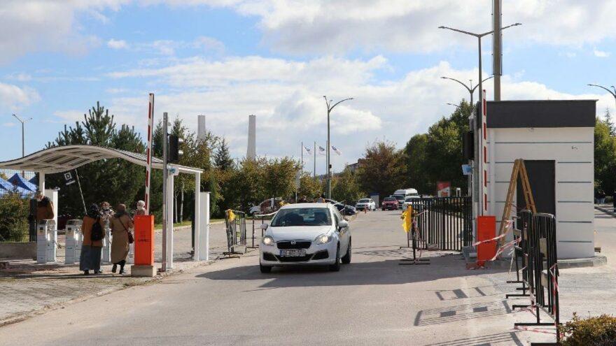 Osmangazi Köprüsü'nden sonra Osmangazi Üniversitesi'nde de geçiş paralı
