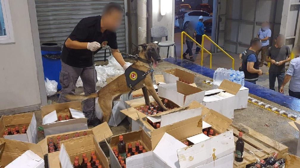 Nar ekşisi dolu konteynerde 1 milyon 200 bin adet uyuşturucu hap yakalandı
