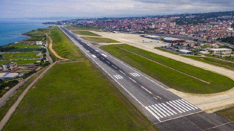 58 milyon lira çatlaktan aktı gitti, Trabzon Havalimanı yine kapatıldı