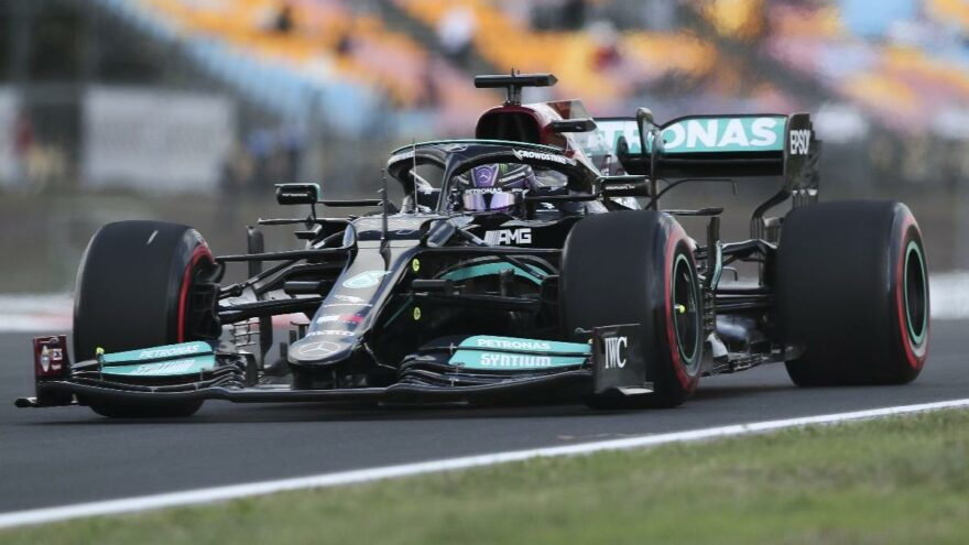 Formula 1 Türkiye Grand Prix'i cezayla başladı