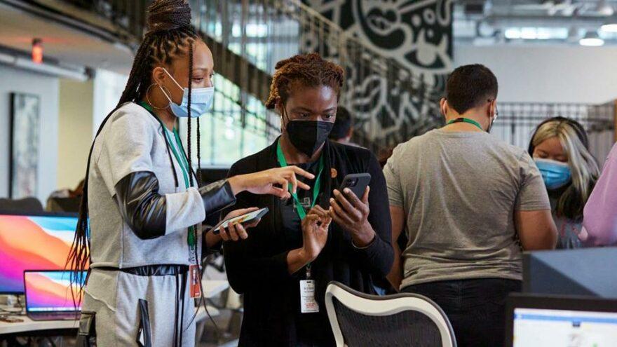 Apple, 100 öğrencili Geliştirici Akademisi'ni açtı