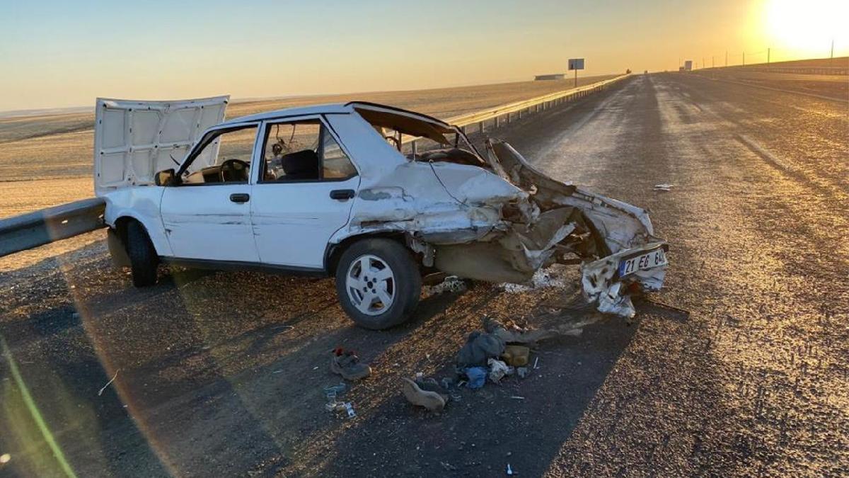 Kaza yapan otomobilin LPG tankı bomba gibi patladı: 2 yaralı