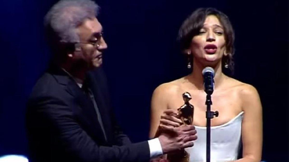 En iyi kadın oyuncu seçilen Nihal Yalçın'dan, Tamer Karadağlı'ya tepki