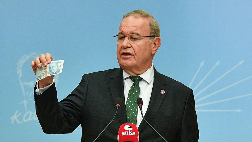 Faik Öztrak: Şahsım hükümetlerinin yanlış siyaseti paramızın haysiyetini yok etti