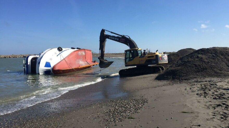 Balıkçı teknesi yan yattı, faciadan dönüldü