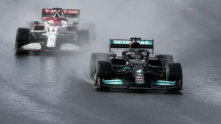Formula 1 Türkiye Grand Prix'inde Hamilton kazandı ancak ilk sıra Bottas'ın