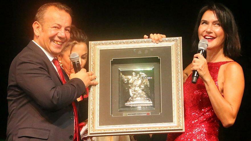 Tanju Özcan'ı çıldırtan olay: Şevval Sam'ın resmi çalındı