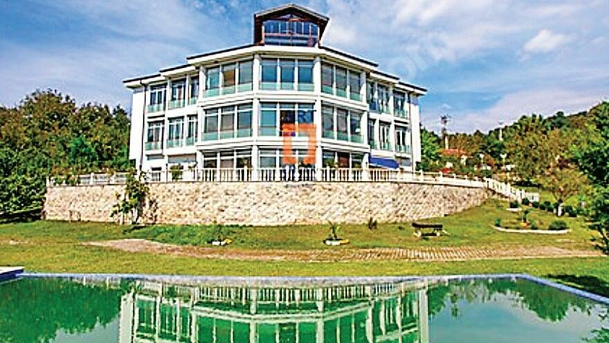 Büyükelçi, çiftlik evini 35 milyona satışa çıkardı