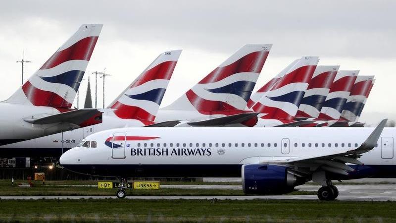 'Bayanlar ve baylar' anonsu tarihe karışıyor: Havayolu şirketinden yeni karar