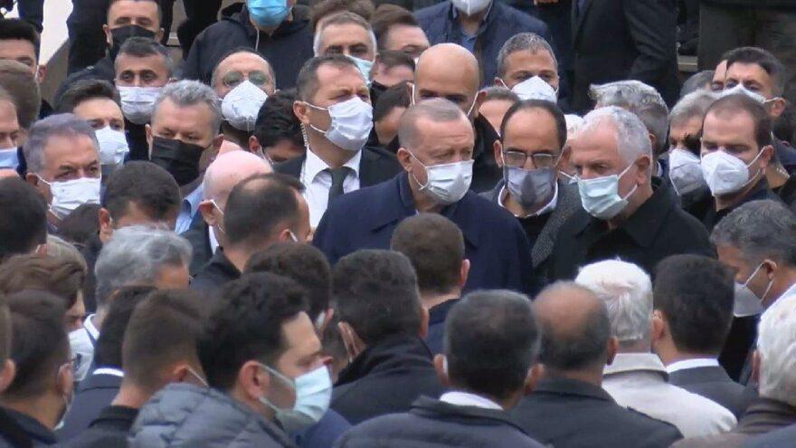 Erdoğan, iş insanı Hacı Ahmet Gür'ün cenazesine katıldı