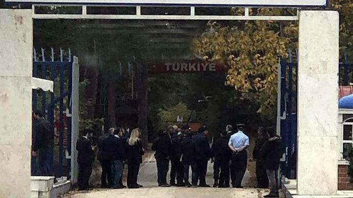 Yunan bakan sınırda konuştu: Her türlü saldırıya cevap vermeye hazırız