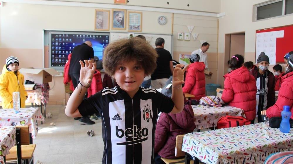 Beşiktaş'tan Siirt'te bin öğrenciye yardım