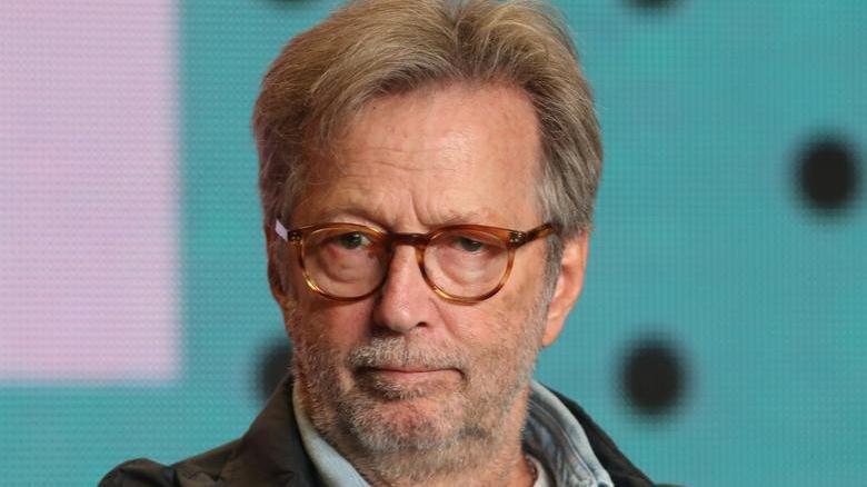 Eric Clapton'dan aşı karşıtı gruba destek